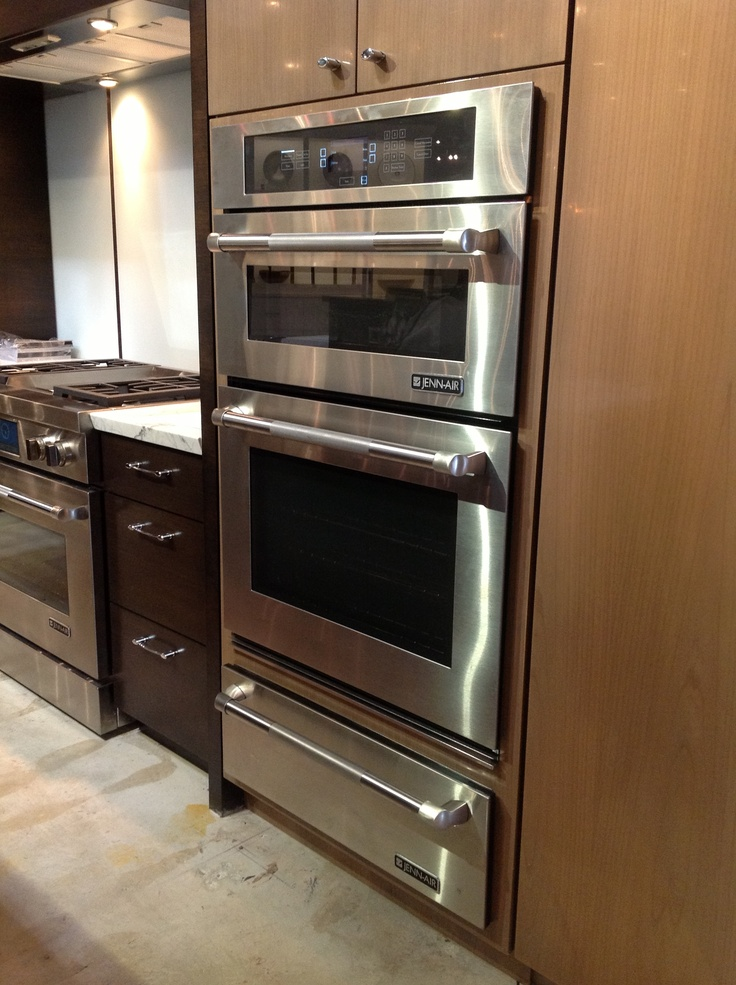 Jenn Air 30 Combi Oven With Warming Drawer Below
