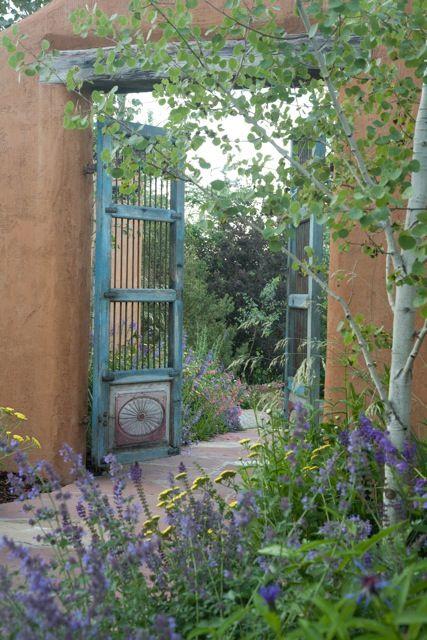 Through the pretty garden gate into  the casa....................