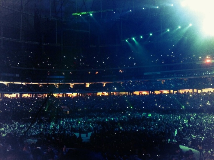 Strobe light apps all over the GA Dome
