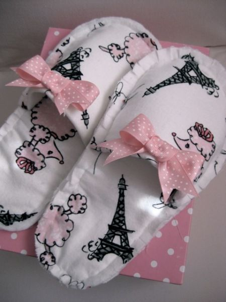 Pink Slipper Project - Free Slipper Pattern....oooh lala so French!!! Love it.   From sew-whats-new.com