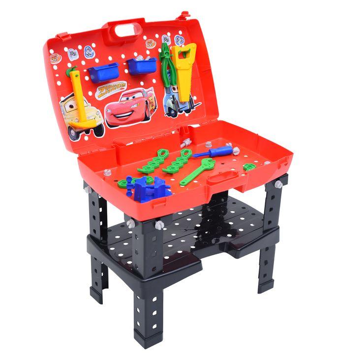 1933.2 - Oficina Carros Disney | O produto é fácil e prático de montar, acompanha 06 ferramentas e 58 acessórios em cores vibrantes. Seu grande diferencial é a possibilidade de transformar-se de maleta para bancada e vice-versa rapidamente. | Faixa Etária: +3 anos | Medidas: 54 x 45,5 x 80 cm | Jogos e Brinquedos | Xalingo Brinquedos | Crianças