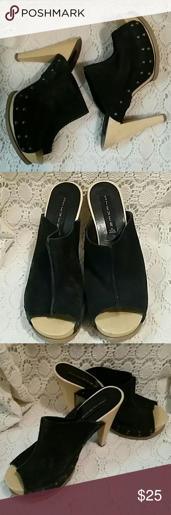 Steve Madden Suade Clogs Black Suade Steve Madden Clogs/Mules... Excellent Condition 4inch Heel Steven by Steve Madden Shoes Mules & Clogs