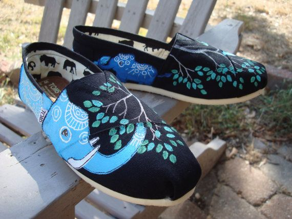 Elephant TOMS.: Shoes Custom, Hands Paintings, Elephants Hands, Toms Outlets, Tom Shoes, Paintings Toms, Toms Shoes, Styles, Elephants Toms