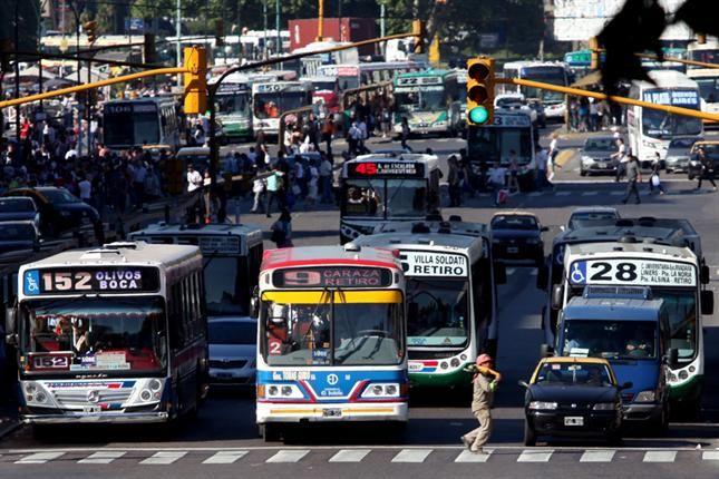 EL TRASPASO DE LOS COLECTIVOS Y LOS SUBTES A LA CAPITAL FEDERAL - ElaguijonDigital.com.ar - Mercedes - Power By ChamigoNet.com.ar :.