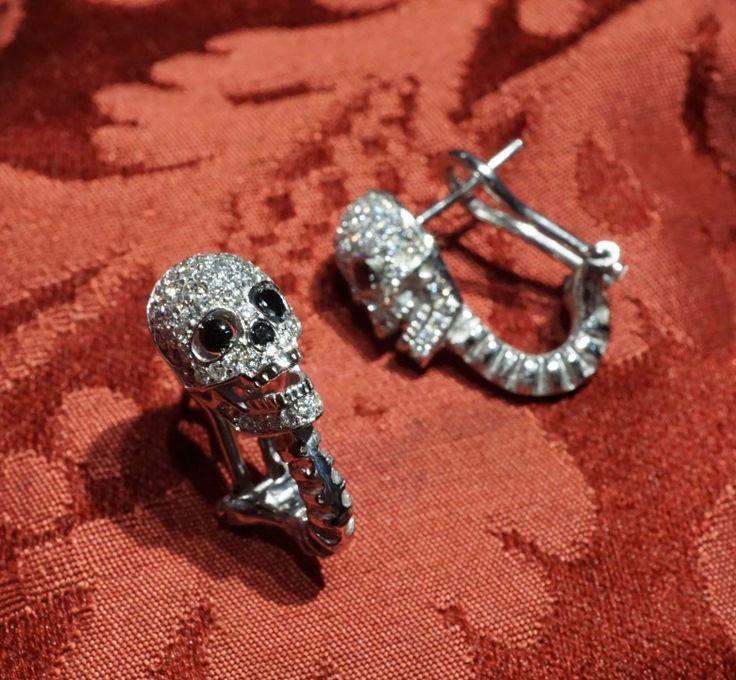 Skull earrings, gold 18 kt and diamond & black diamonds - Dogale Jewellery Venezia Italia