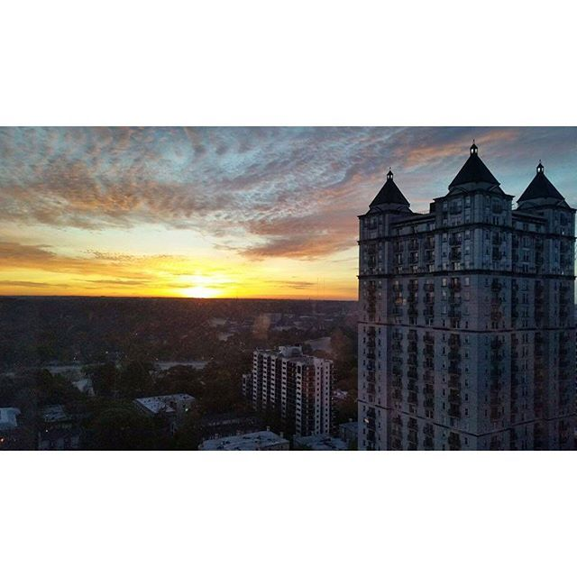 Another beautiful sunrise photo from one of our viewers this morning taken from the W Hotel Midtown. ? #sunshine #sunrise #ATL #atlanta #midtown #ga #georgia