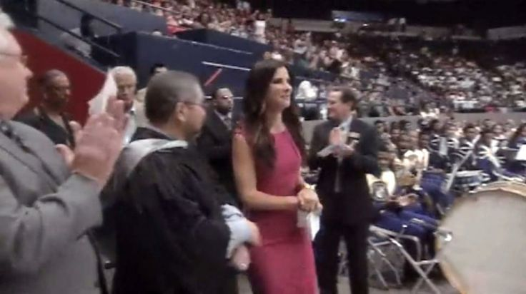Sandra Bullock surprised graduates at Warren Easton Charter High School in New Orleans on Monday. Some great advice here.