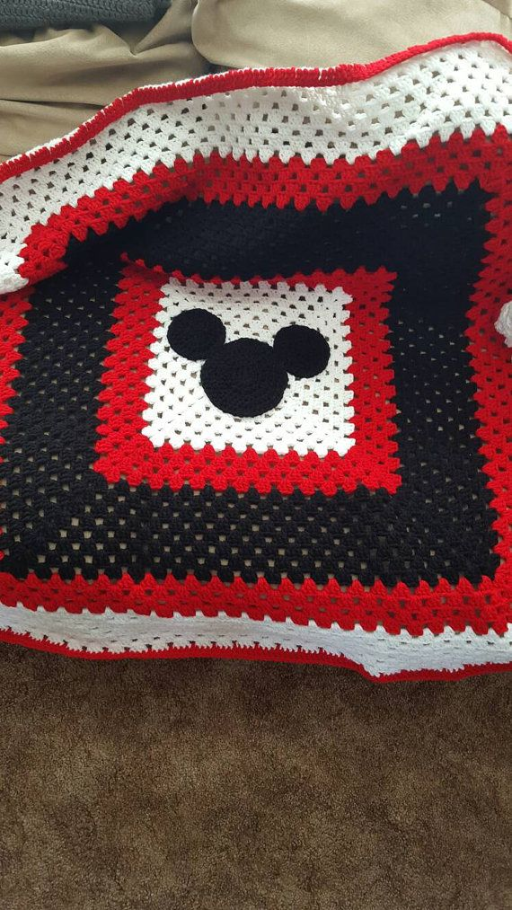 Mickey Mouse Crochet Baby Blanket Pattern : 25+ best ideas about Crochet mickey mouse on Pinterest ...