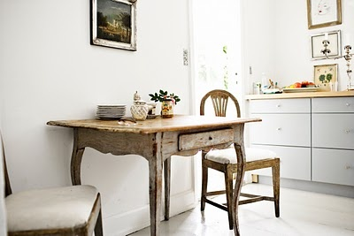 the antique desk/table Boards, Mäster Henrik, Antiques Desks Tables, Gustavian Interiors, Kitchens Dining, Furniture Re Styl, Dining Table'S, Breakfast Tables, French Furniture