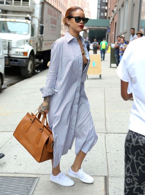 Out in NYC, she's breezy in a Céline Pre-Fall 2015 shirt dress that's totally reminiscent of Marshall's women's nighty on How I Met Your Mother.