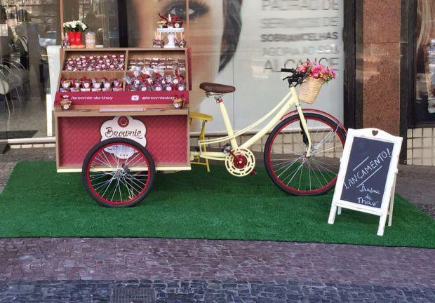 food bike                                                                                                                                                      Mais