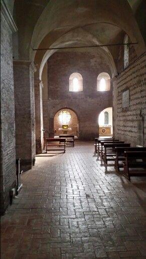 Abbazia delle Tre Fontane -Roma Navata laterale e cappella del Santissimo.