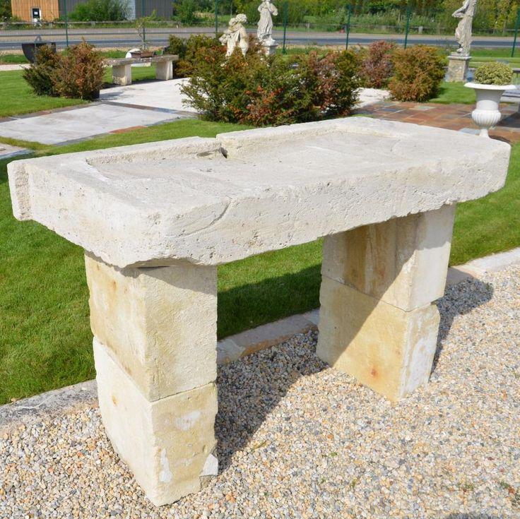 ancien évier en pierre  Évier en pierre ancien sur pied