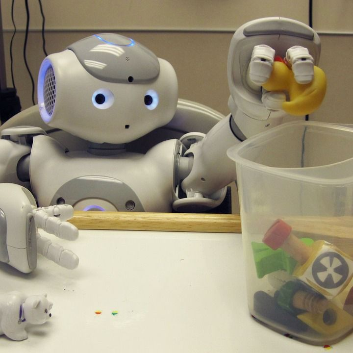 Medical Robot Keeps Kids Calm at the Doctor's Office
