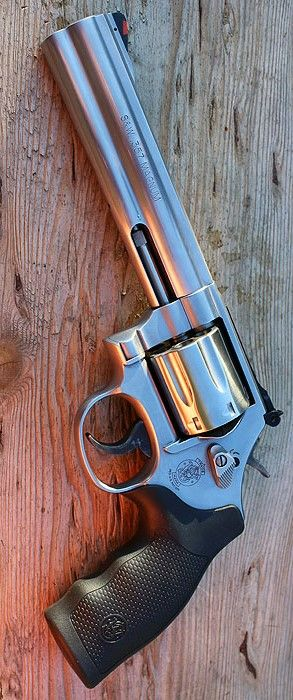 SMITH & WESSON - 686 6IN 357 MAGNUM HANDGUN REVOLVER SATIN STAINLESS 6RD