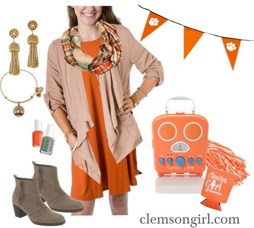 Clemson Girl - Check out L Mae Boutique for Clemson gameday apparel and enter in GIVEAWAY to win this retro style radio!