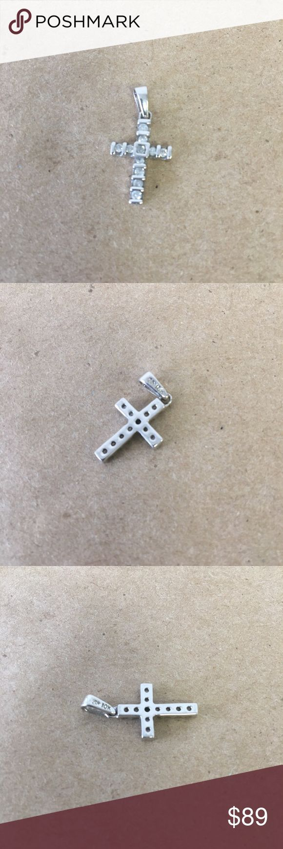 10k Solid White Gold Cross Pendant W/ 11 Diamonds! 10k Solid White Gold Cross Pendant With 11 Diamonds - 1.61g Inventory #  5930-11 Everything we sell is 100% guaranteed authentic! We list dozens of items every day, so check our other listings out! We are Meta Exchange, a resale store in Baton Rouge, LA! Sorry, no trades. REASONABLE offers will be considered. We ship same/next day. Thanks! Follow us: FB metaexchange  IG meta225 gold Jewelry Necklaces
