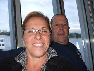 Christine Pilon et son mari, originaires de Vaudreuil-Dorion et de Châteauguay, se sont établis à Havre-Aubert en mars 2014. Pour Christine, « il fait bon vivre aux Îles-de-la-Madeleine, sans trafic et sans stress, avec l'air de la mer et le vent ».