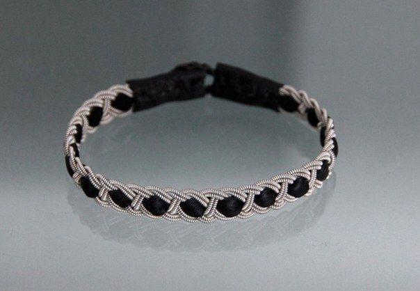 Como hacer pulseras tejidas paso a pasoKatarina Bracelets, Diy Crafts, Diy Fashion, Diy Tutorials, Braids Bracelets, Projects Ideas, Simple Katarina, Wire Bracelets, Quilt Tutorials
