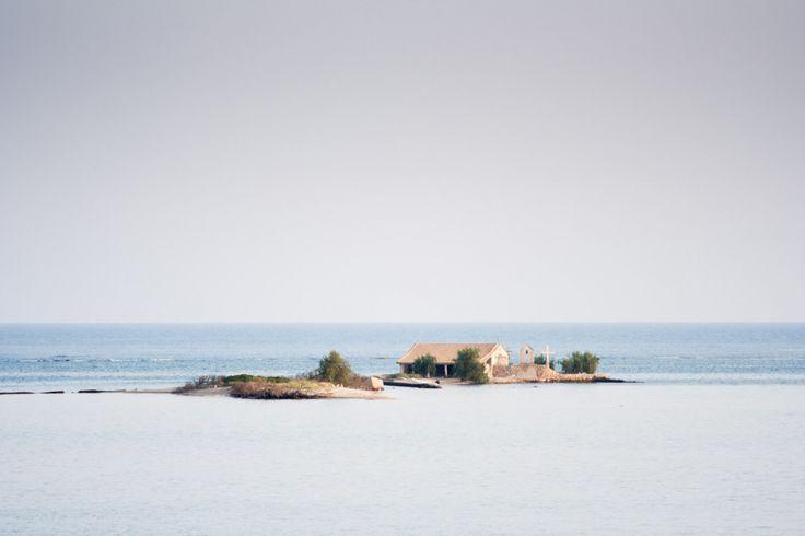 Abandoned Island Church near Peratia, Lefkada | Opuštěný kostelík na ostrůvku poblíž Peratie, Lefkáda