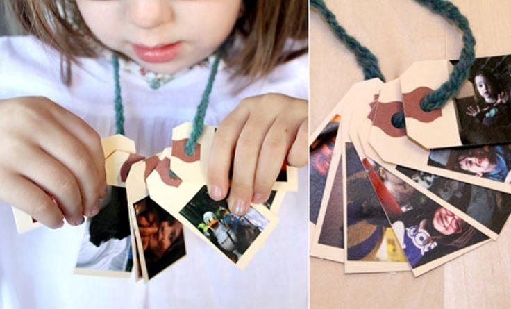 Heimwee-ketting, een heel fijn hulpmiddel om te troosten wanneer het kind iemand mist of gewoon uit zijn of haar comfort zone moet. Kies samen fotootjes uit, plak op een kaartje (plastificeer indien mogelijk voor langer gebruik) en rijg aan een koordje, zodat ze het als een talisman rond hun nek kunnen dragen. Anderen zullen vragen stellen over de ketting en de foto's en dit geeft net de kans om te praten over het verdriet.