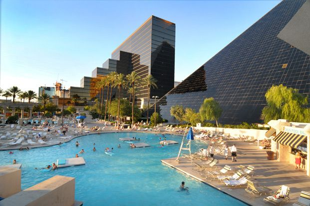 USA, Nevada, Las Vegas, Pool at the Luxor