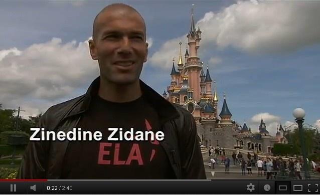 """Vidéo MECENAT - Disneyland Paris, c'est aussi un grand programme de Mécénat avec nos 800 employés bénévoles """"Disney VoluntEARS"""".    Le 6 juin 2012, 1000 enfants ont été invités à faire la fête pour les 20 ans d'engagement solidaire de Disneyland Paris, aux côtés de l'association ELA et de Zinedine Zidane."""