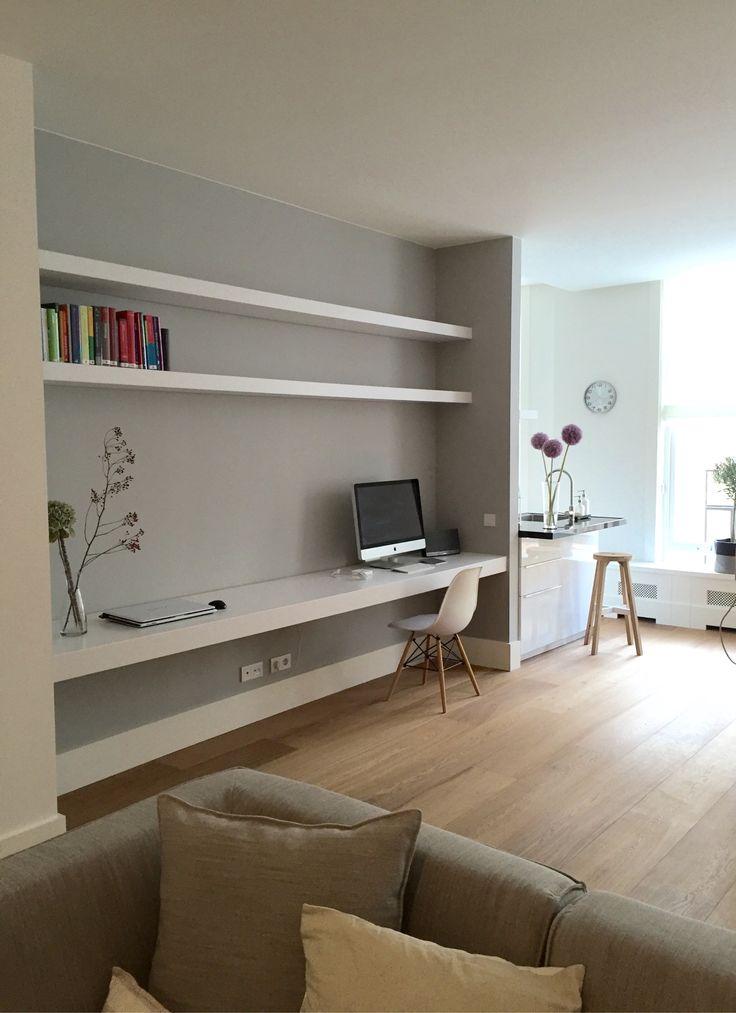 #boekenplanken #bureaublad #newliving #eameschair #woodenfloor