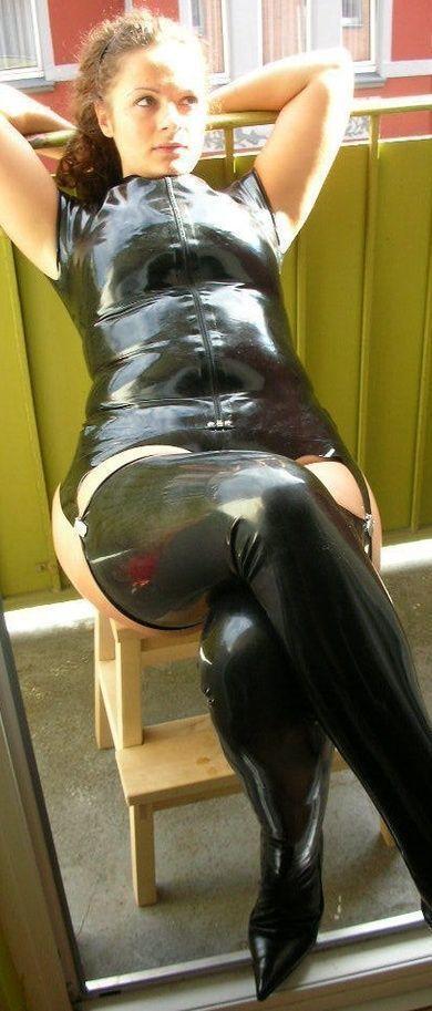 Amateur girl in latex