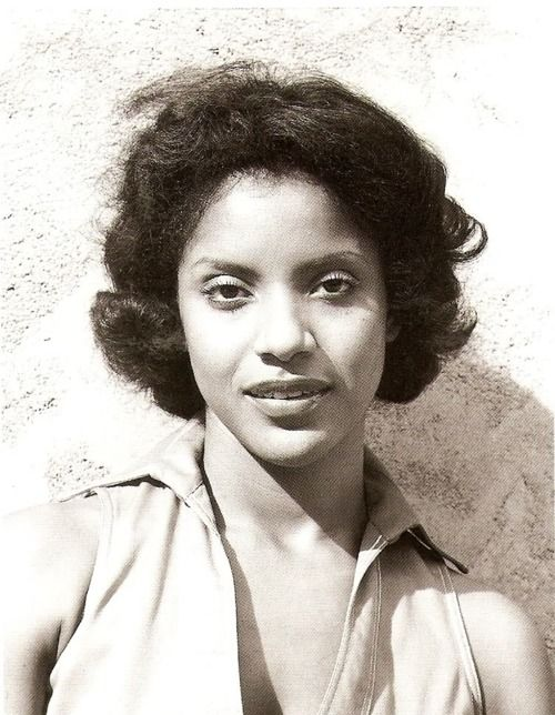 The definition of elegance.Phylicia Rashad.