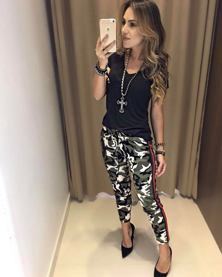 """5,341 curtidas, 89 comentários - Estação Store (@estacaostore) no Instagram: """"Reposição da nossa calça mais amada! ❤️ São tantas novidades!! ❤️ Blusa Sofia Preta   Calça Rita…"""""""