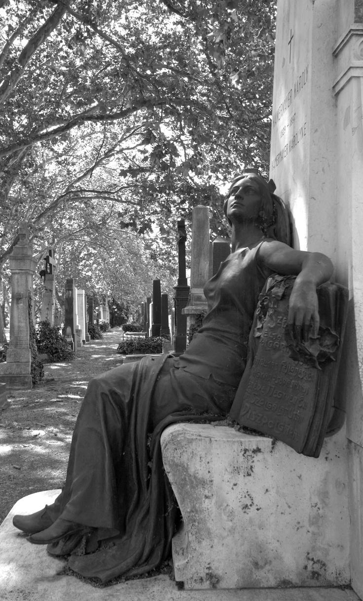 Kerepesi Cemetery, Budapest Destination: the World