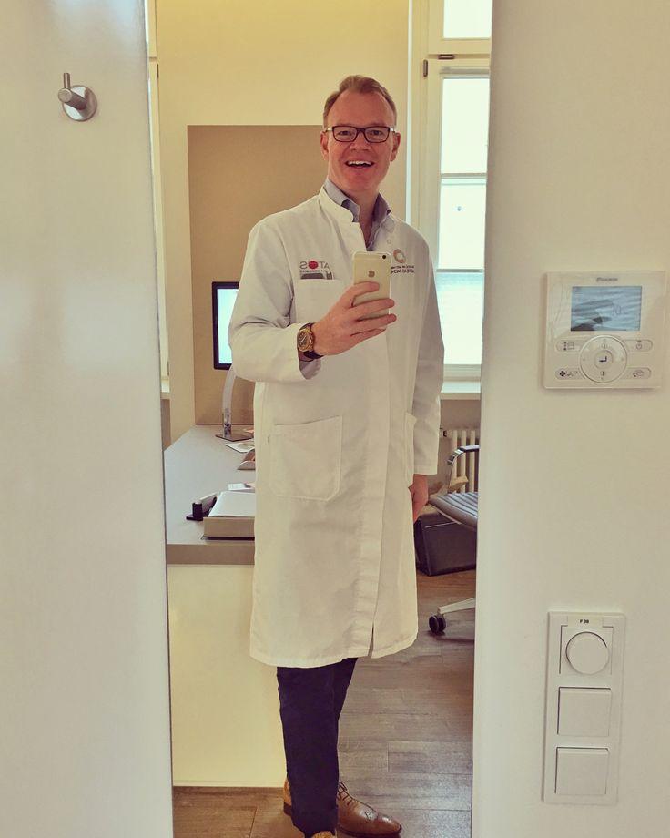 Das Team und ich wünschen Ihnen einen guten Wochenstart bzw. einen erholsamen Brückentag! 😀  #rekonstruktion #schönheit #nasenkorrektur #hno #rhinoplasty #heidelberg #karlsruhe #mannheim #ästhetik #darmstadt #frankfurtmain #plastischechirurgie #plasticsurgery #rightchoice #nase #nasenoperation #septum #ludwigshafen #kassel #Mainz #wiesbaden #cosmeticsurgery #botox #hyaluron #filler #fadenlifting #lidplastik #ästhetik #kosmetik