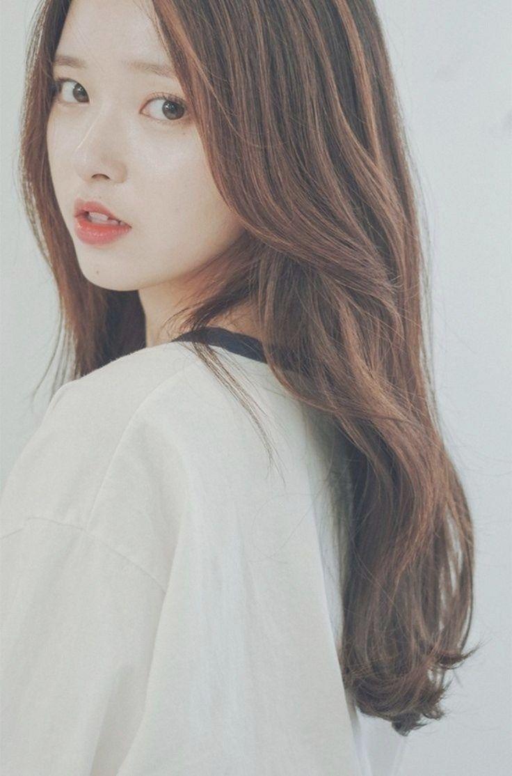 Korean Long Hairstyles Korean Ladies Korean Haircut Medium Length Curly Hair Side Swept B Di 2020 Gaya Rambut Cantik Gaya Rambut Rambut Panjang