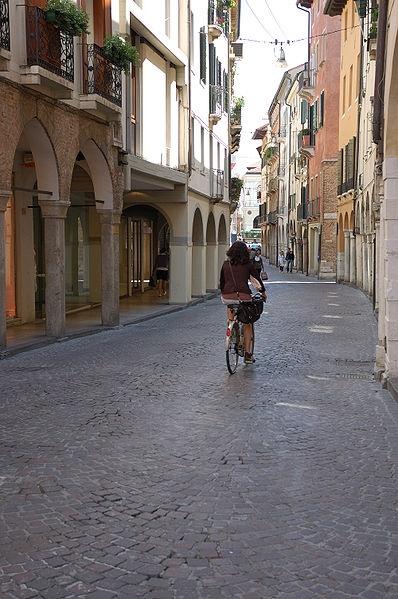 Un saluto agli amici di Treviso con la nuova rete veloce fino a 43.2 megabit di Vodafone