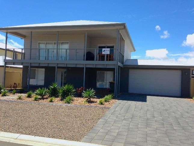 St Ives at Pt Hughes, a Port Hughes Guest House | Stayz