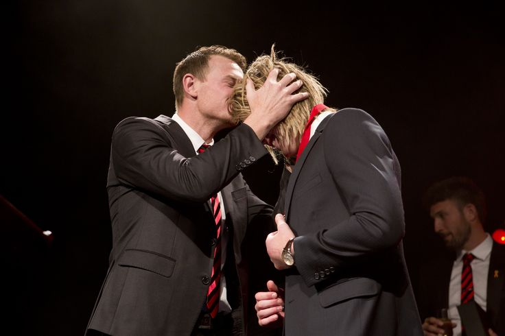 A great moment between the 2013 Crichton Medalist and the 2014 winner! #CrichtonMedal