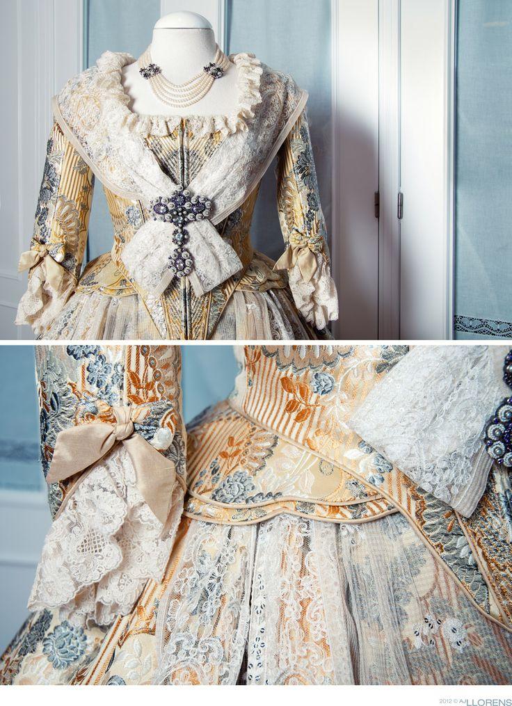 Traditional dress of fallera. Valencia, Spain❣
