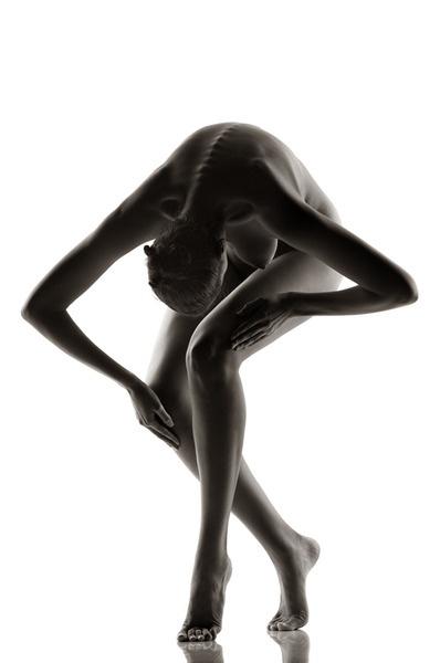 Artful body. (Via unravelledtales.tumblr.com)