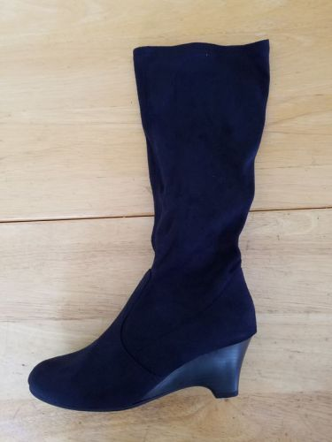 eee14ca62617 Pin by SGVWholesaleBootsNShoes on Up to 75% off Designer Shoes and Boots...