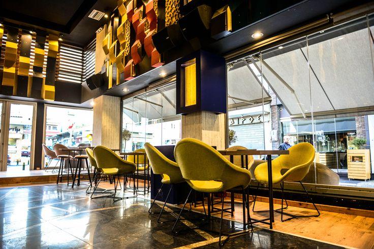 AVANT GARDE, Cafe - Bar.