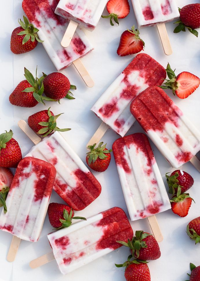 Roasted Strawberries and Cream Popsicles - Naturally gluten free and vegan optional | Fork Knife Swoon @forkknifeswoon