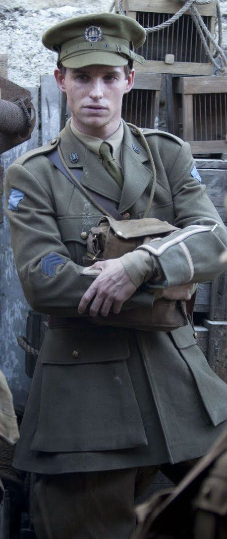 """Addicted to Eddie: Costumes in """"Birdsong"""" - photos, behind the scenes"""