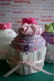 Great baby shower gift: Learn how to make a cupcake onesie
