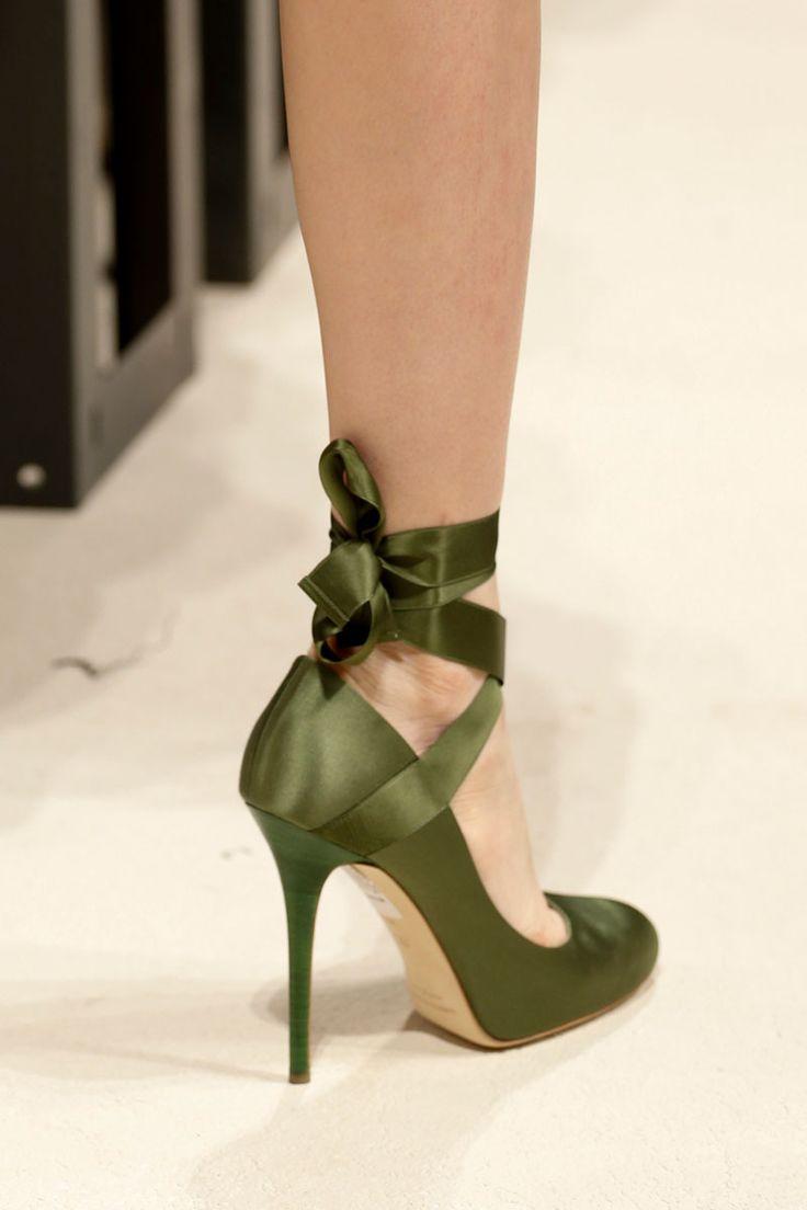 Looooooooooooove!!!! Alberta Ferretti Spring 2014 RTW - Review - Fashion Week - Runway, Fashion Shows and Collections - Vogue
