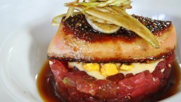 Tartaar van tonijn met peperkoek en een jus van Yuzu