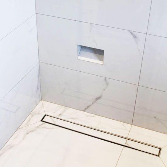 Douglas Peak matt or gloss tile in white. 300mm x 600mm; 600mm x 600mm