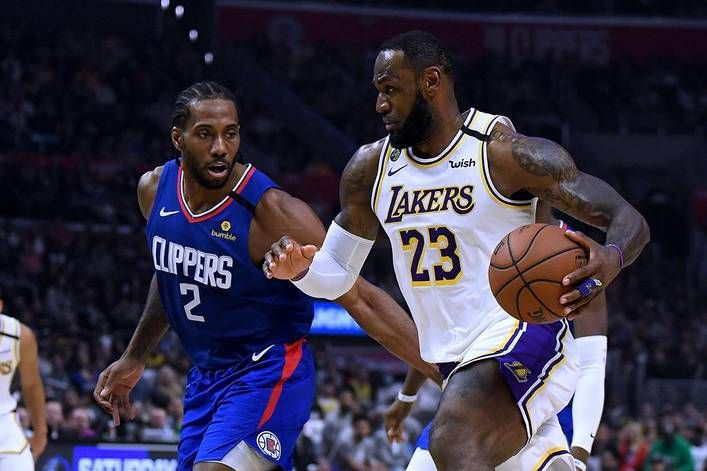 Who Will Have Bragging Rights In La Lakers Or Clippers The Tylt In 2020 Lou Williams Lakers Los Angeles Clippers
