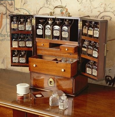 Portable medicine cabinet early 19th century mahogany