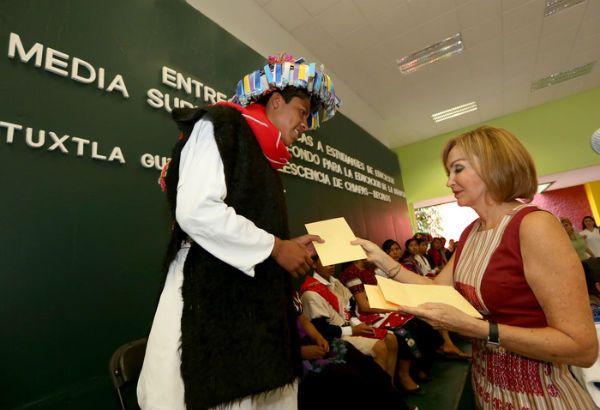 Leticia Coello de Velasco Chiapas Becalos